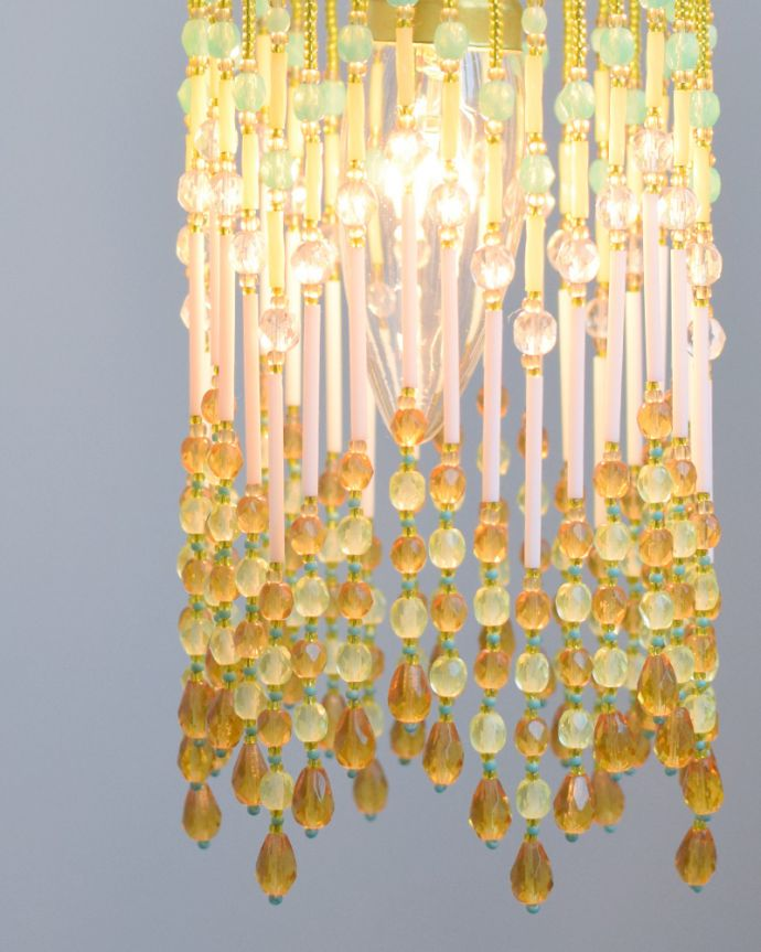 ペンダントライト 照明・ライティング ビーズランプ シトラスイエロー(コード・シャンデリア球・ギャラリーなし)。ライトをつけると色のグラデーションが壁にも映し出されてとてもキレイです。(BR-CY)