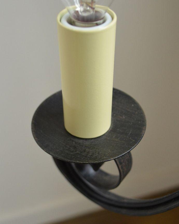 Handleオリジナル 照明・ライティング Handleオリジナル シャンデリア(エッフェル・E17シャンデリア球4個付き)。究極のアンティーク仕上げ鍛造で叩いた跡を残したハンマートーン。(CR-011)
