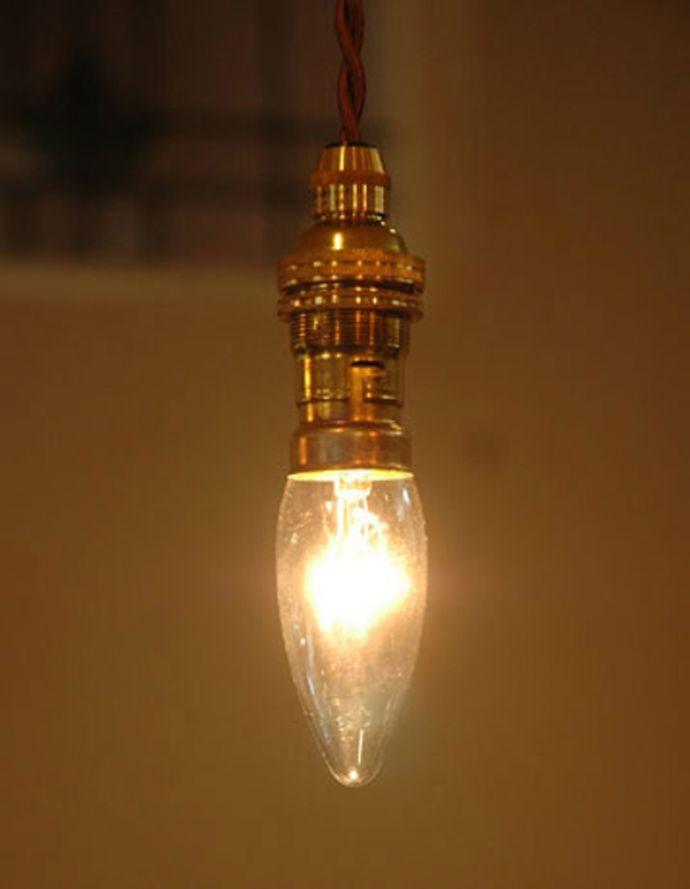 電球・オプション 照明・ライティング イギリス電球・シャンデリア球(B22口金・40W)。英国式の口金です日本ではあまり見かけない英国式のソケットです。(DK-1)