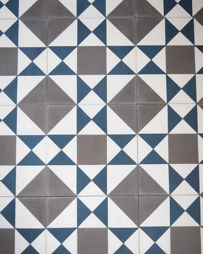 床材 お部屋づくりの材料(建材) デザインタイル(Carré)アンティーク風のおしゃれなダイヤ型デザイン。フランスの伝統柄タイルを組み合わせていくと、パリのおしゃれなカフェにいるような雰囲気のスクエア型が浮かび上がります。(HOT-07)