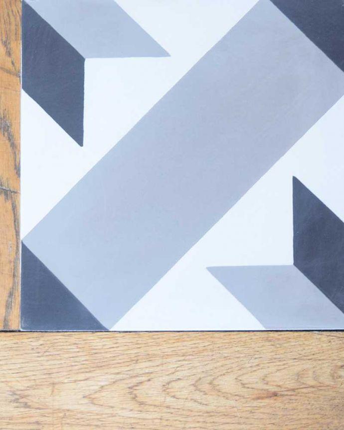 床材 お部屋づくりの材料(建材) デザインタイル(étoile)おしゃれなアンティーク風の星モチーフ。マットな質感表面はマットな仕上がりなので、屋内はもちろん、屋外でも使えます。(HOT-09)