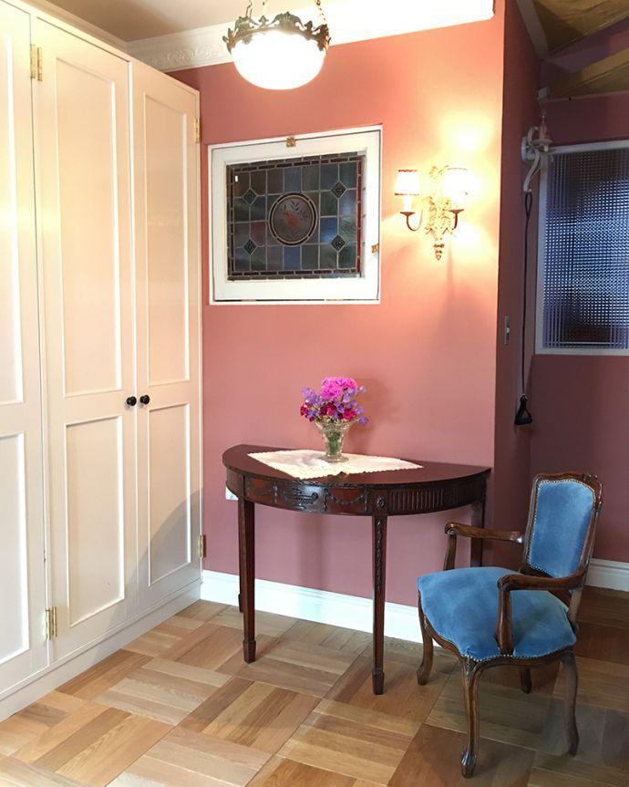 床材 お部屋づくりの材料(建材) Handleオリジナルの床材、オーク材の市松模様(チェッカー柄)の床。日本のお家にもよく似合う市松模様わが家の玄関でも使っているチェッカー柄の床。(HOW-01)