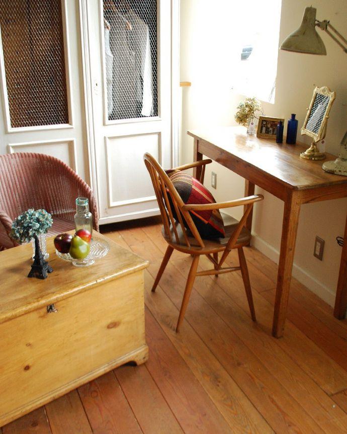 床材 お部屋づくりの材料(建材) Handleオリジナルの床材、 パインの床。受注生産品ですご注文頂いてからお届けまで10日~2週間ほどお時間を頂きます。(HOW-04)