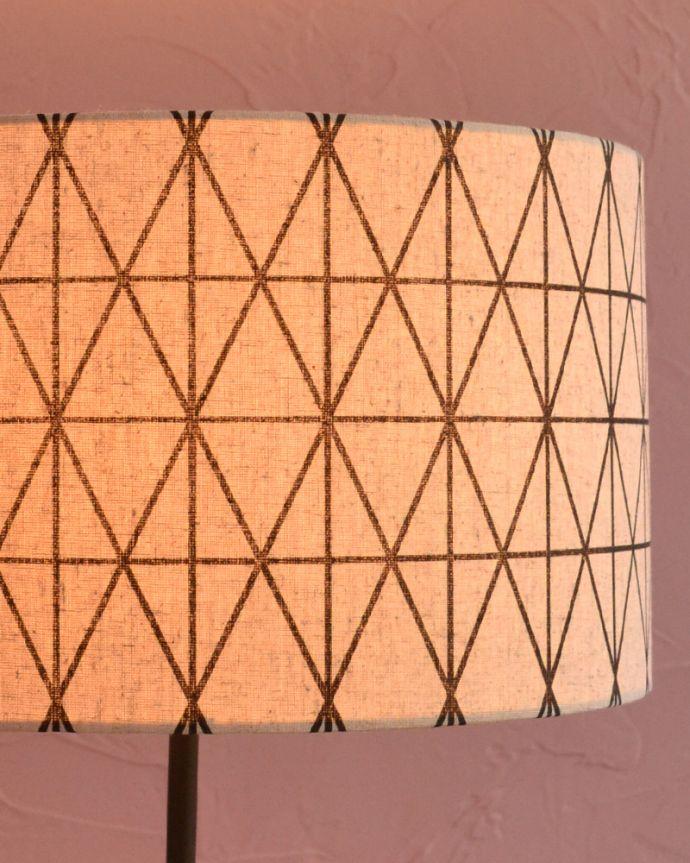 TL-0035 フロアランプ(照明)のシェード点灯