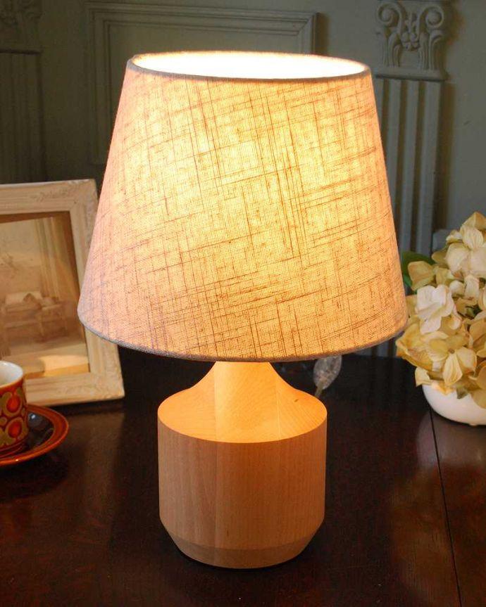スタンドライト 照明・ライティング 北欧スタイルのほっこりぬくもりが感じられるテーブルランプ(E17型LED電球付き)。。(TL-0068)