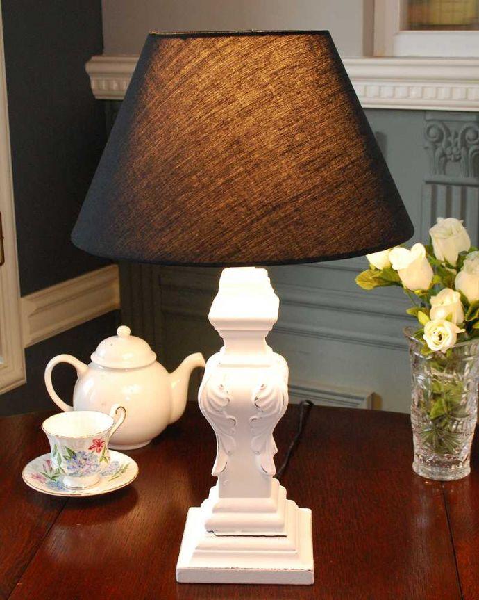 スタンドライト 照明・ライティング アンティーク風のおしゃれ照明、レリーフがフランスらしいテーブルランプ(電球なし)。。(TL-0072)