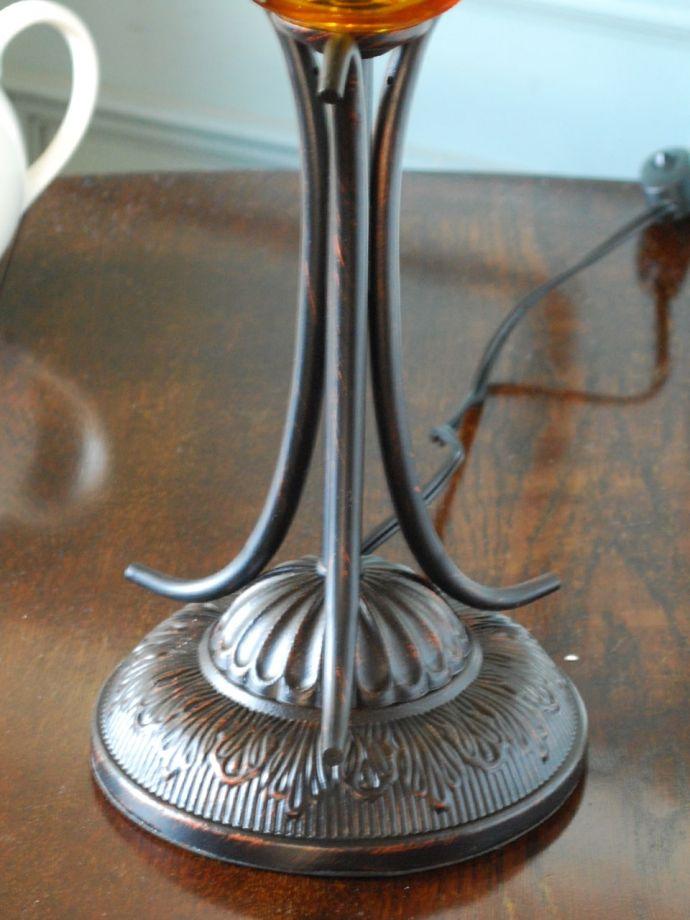 テーブルランプの土台部分