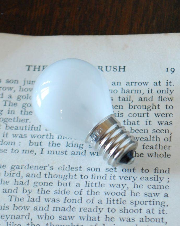 スタンドライト 照明・ライティング テーブルランプ・リボン 電球付きなので届いてすぐに使えます口金はE17型です。(TL-0110)