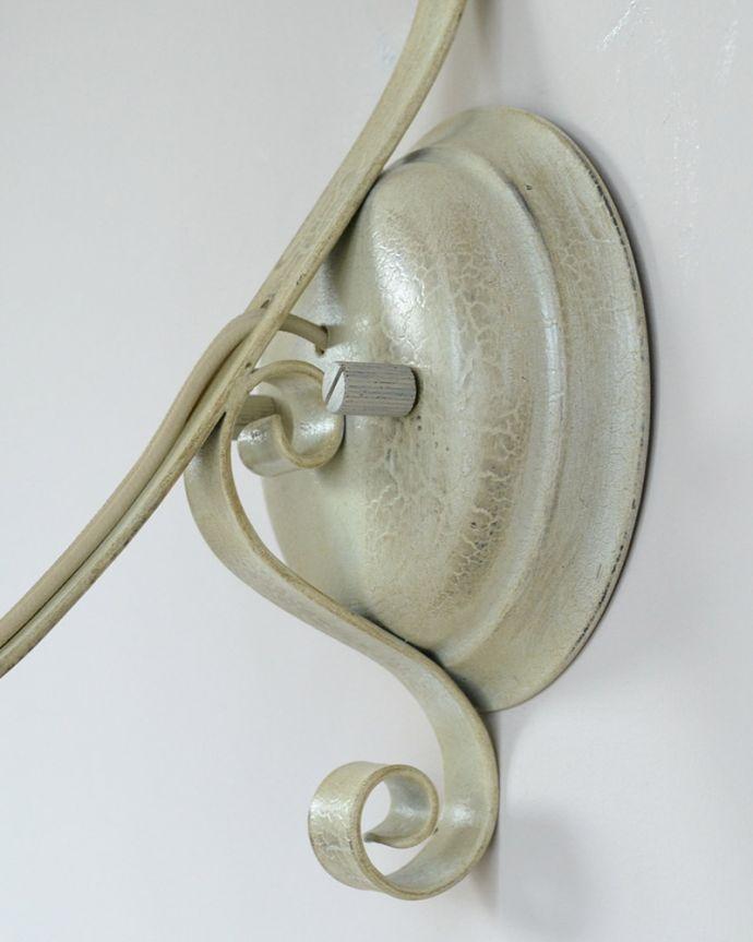 Handleオリジナル 照明・ライティング Handleオリジナル ウォールブラケット(エッフェル・ホワイト・E17シャンデリア球1個付き)。配線もキレイです壁に取り付けする部分も素敵に仕上げました。(WR-031)