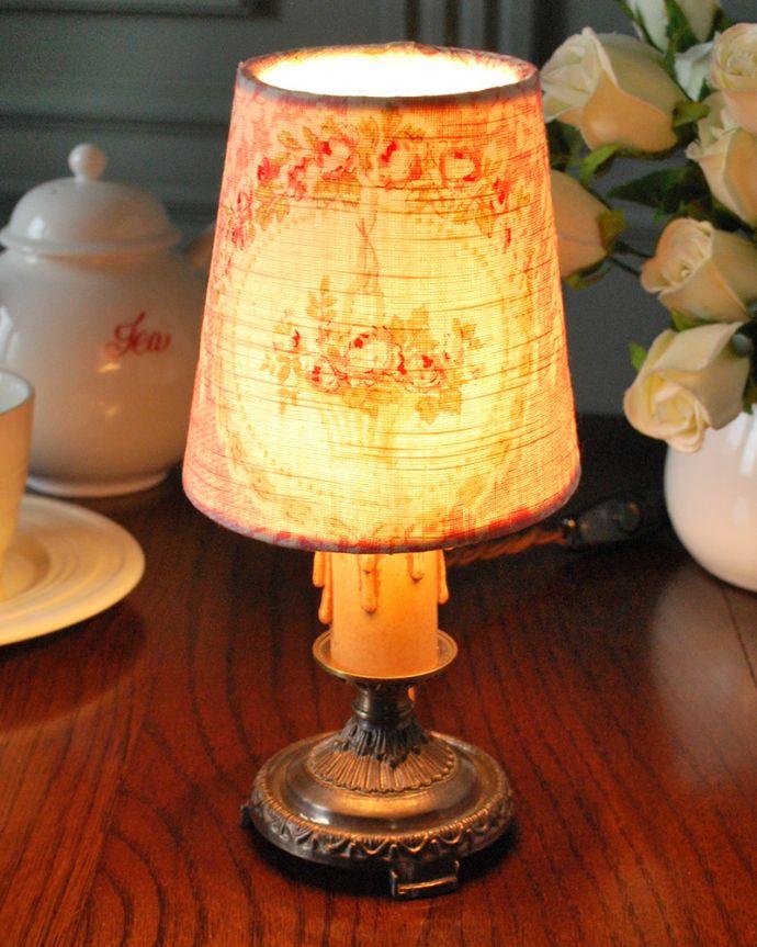 シャンデリア球のシェード 照明・ライティング フラワーバスケットが可愛い、フランスから届いたクリップシェード。被せるだけで柔らかな灯り使い方は、電球に被せるだけ。(cf-1235)