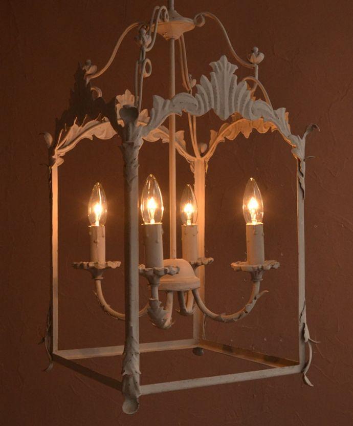照明・ライティング シャンデリア 夜がくるのが、なんだか楽しみになる灯り暗くなって灯りを点ける時間が楽しみになるデザイン。(cf-1242)