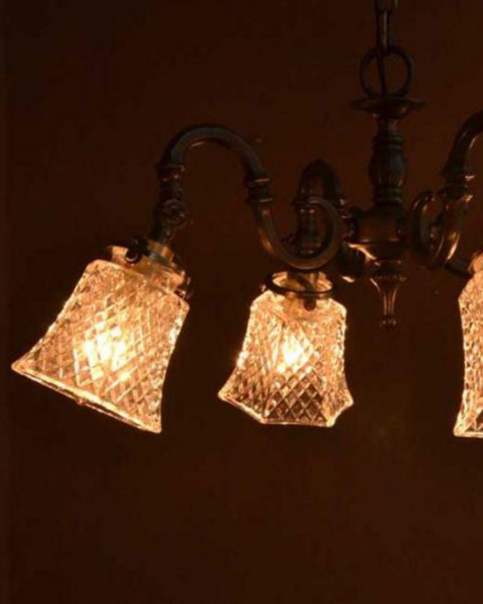 シャンデリア 照明・ライティング ダイヤカットがキラキラ輝くアンティーク風シャンデリア(アンティーク色・4灯・電球なし)。。(cr-511-aB)