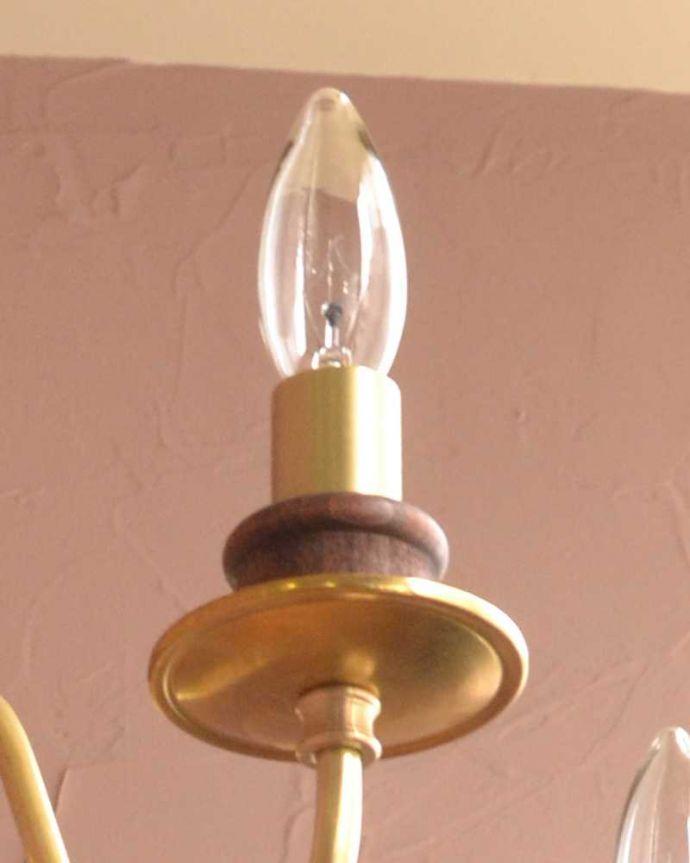 シャンデリア 照明・ライティング 木製×真鍮のコラボが人気のアンティーク風の木製シャンデリア(5灯・電球なし)。LEDも使えます口金はE17型60W対応です。(cr-516-g)
