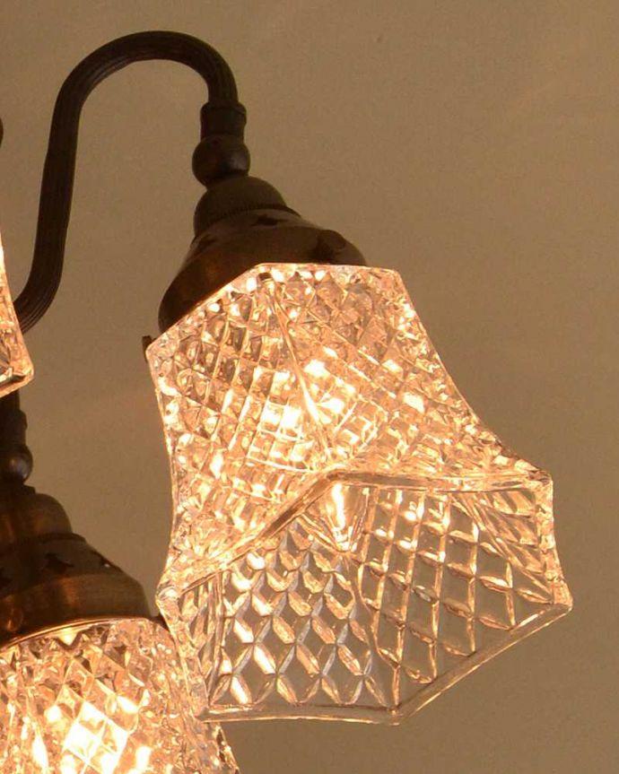 シャンデリア 照明・ライティング アンティーク風のシーリングタイプの真鍮製シャンデリア(アンティーク色・5灯・電球なし) 。LEDも使えます口金はE17型60W対応です。(cr-519-a)