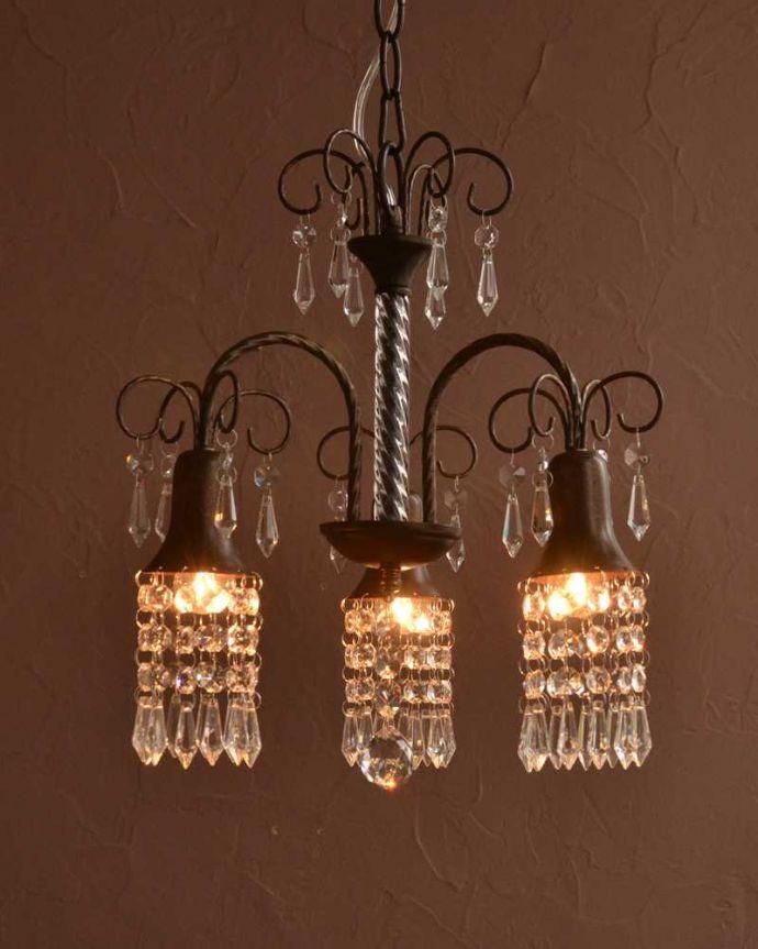 シャンデリア 照明・ライティング ガラスのビーズが美しいアンティーク風のシャンデリア(3灯)(E17電球付) 。。(cr-527)