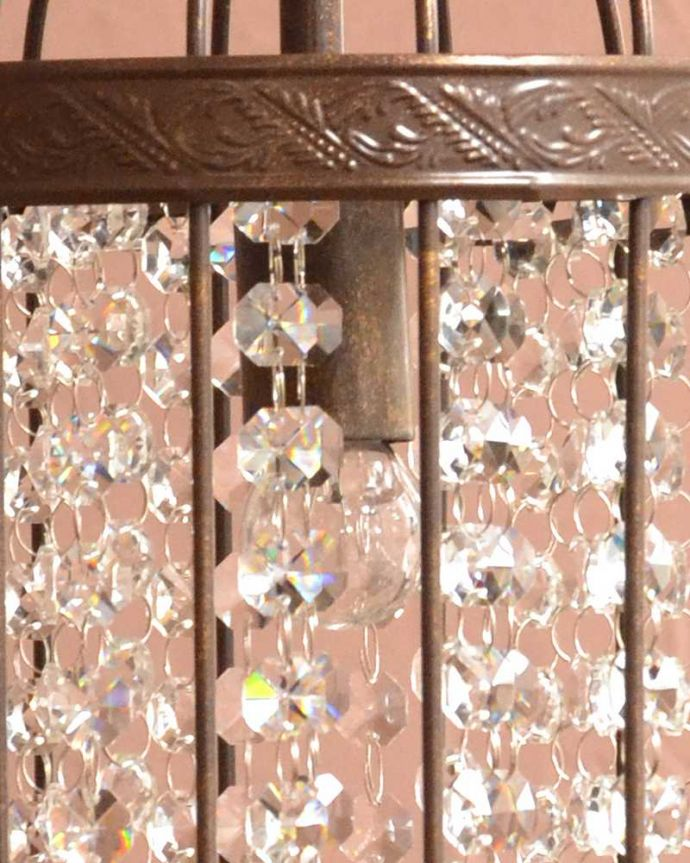 シャンデリア 照明・ライティング ゲージの中で輝くガラスのビーズが美しいアンティーク風のシャンデリア(1灯)(E17電球付) 。。(cr-528)