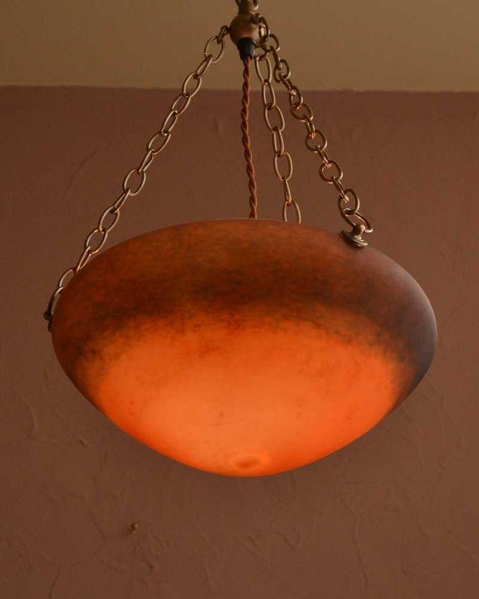 シャンデリア 照明・ライティング フランス生まれのオレンジ色のガラスが美しいハンギングボウル(E17シャンデリア球1灯付)。。(cr-533)
