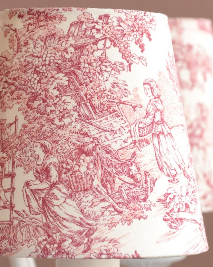 シャンデリア 照明・ライティング フランス風の5灯シャンデリア(トワルド・ジュイ・レッド・電球セット)。トワル・ド・ジュイの布シェードマリーアントワネットも愛した魅惑のフランス伝統の生地、トワル・ド・ジュイ。(cr-537)
