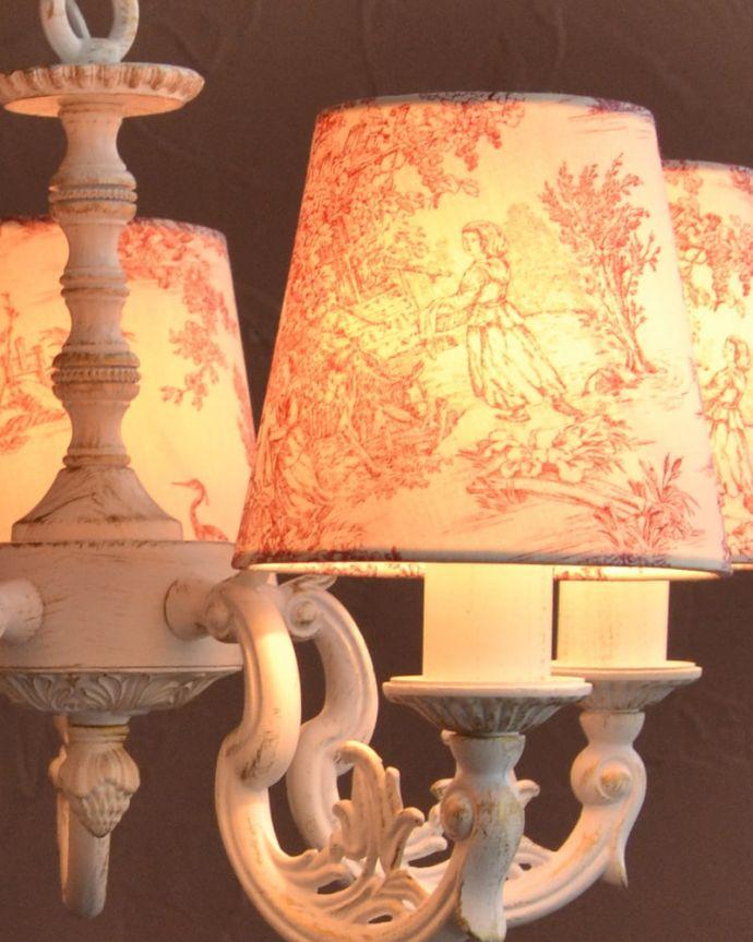 シャンデリア 照明・ライティング フランス風の5灯シャンデリア(トワルド・ジュイ・レッド・電球セット)。LEDも使えます口金はE17型40Wの電球をセットでお届けいたします。(cr-537)