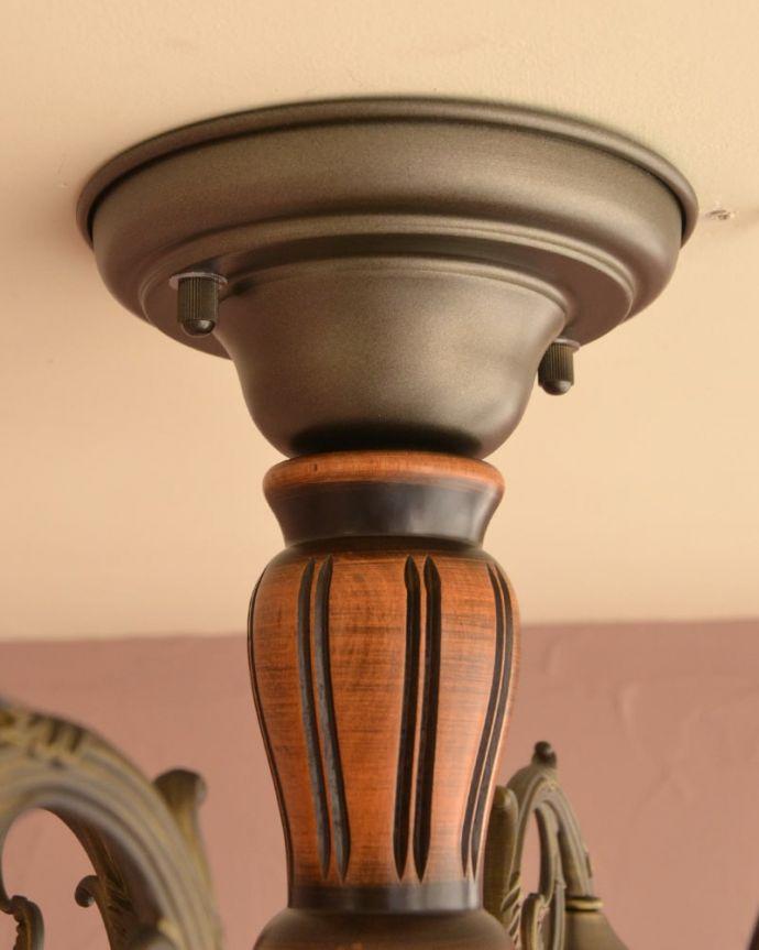 照明・ライティング シーリングシャンデリア6灯 アンティーク風のフォルム真鍮で作られた重厚感漂うフォルムが、お部屋をオシャレに彩ってくれます。(cr-539)