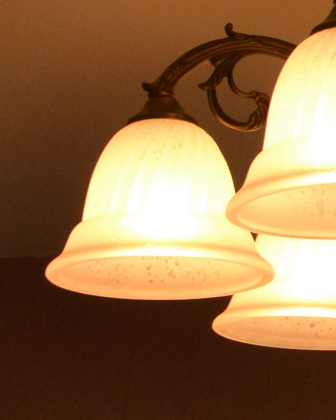 照明・ライティング シーリングシャンデリア6灯 LEDも使えます口金はE17型60W対応です。(cr-539)