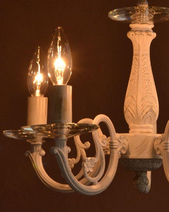 シャンデリア 照明・ライティング 5灯シャンデリア/WH LEDも使えます量販店でどこでも購入できる、日本球仕様(E17型)で仕上げてあります。(cr-542)