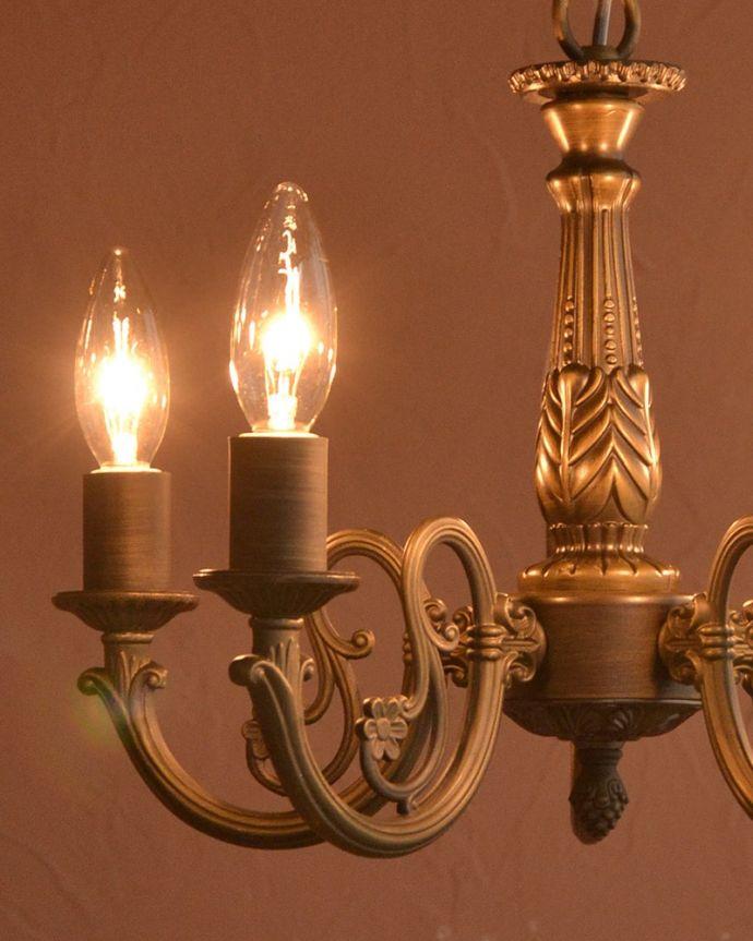 シャンデリア 照明・ライティング 5灯シャンデリア/BR やさしい灯りで過ごす夜上向きのシャンデリアからの柔らかい優しい灯りは、一日の疲れを癒してくれます。(cr-544)