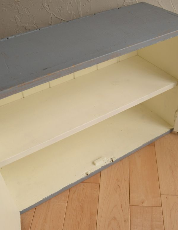 d-1025-f アンティークスモールキャビネット(グレー)の扉内