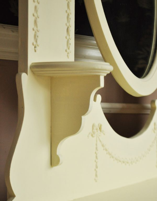 d-1058-f アンティークドレッシングチェスト(ホワイト)の飾り棚