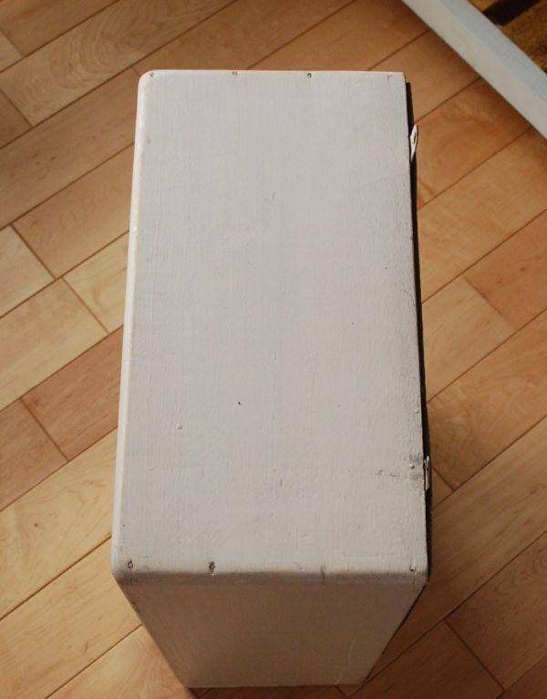 d-1076-f アンティークスモールキャビネット(ホワイト)の天板