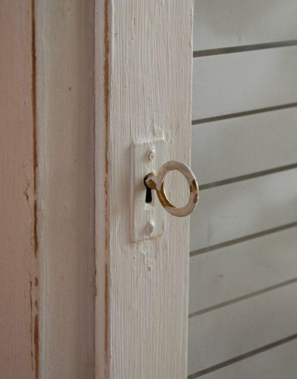 d-1024-f アンティークスモールキャビネット(ホワイト)の鍵
