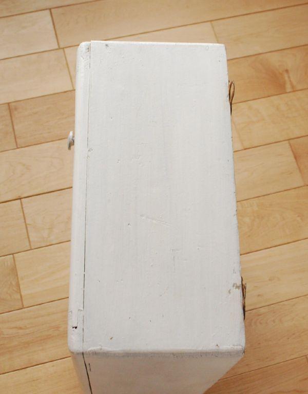 d-1083-f アンティークスモールキャビネット(ホワイト)の天板