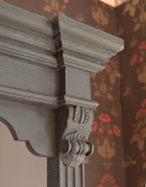 d-1125 アンティークキャビネットの装飾1