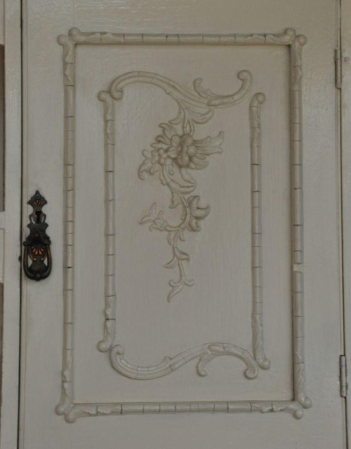 d-1189-f アンティークキャビネットの装飾2