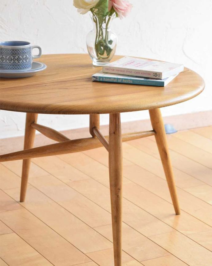 d-1321-f アーコールテーブルのアップ