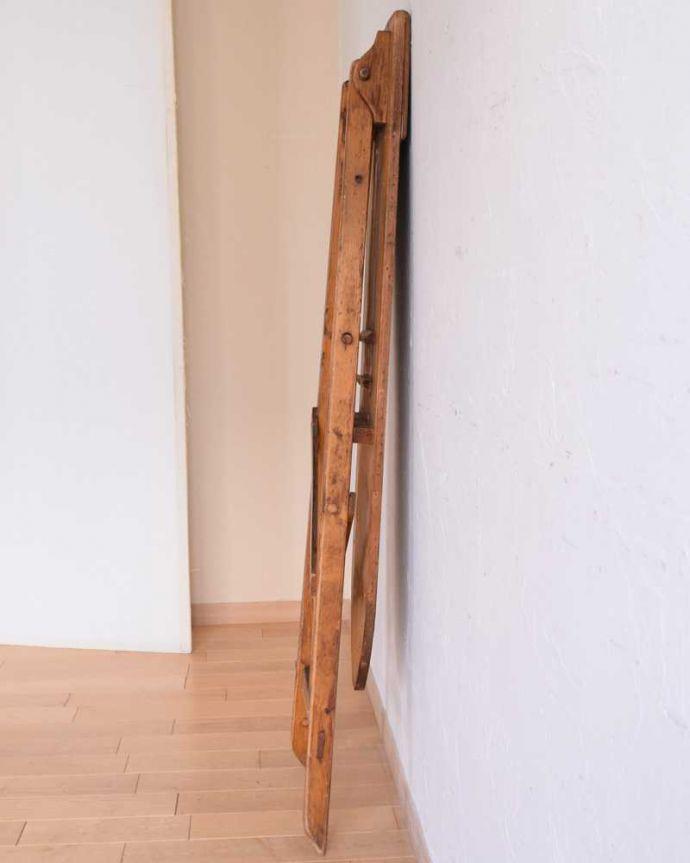 d-1326-f アンティークアイロンテーブルの折りたたんだ状態