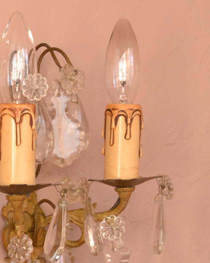 壁付けブラケット 照明・ライティング フランスアンティークのガラスパーツが優雅なウォールシャンデリア(E17シャンデリア球付)。。(d-1393-z)