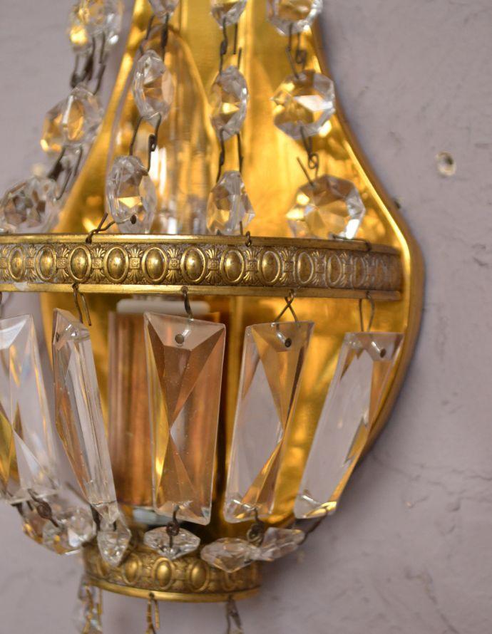 壁付けブラケット 照明・ライティング フランスのアンティーク照明、ガラスが輝く壁付けシャンデリア(E17シャンデリア球付)。壁のアクセサリーでお部屋をオシャレに大変身日本ではあまり使わない壁付けのシャンデリア。(d-1433-z)