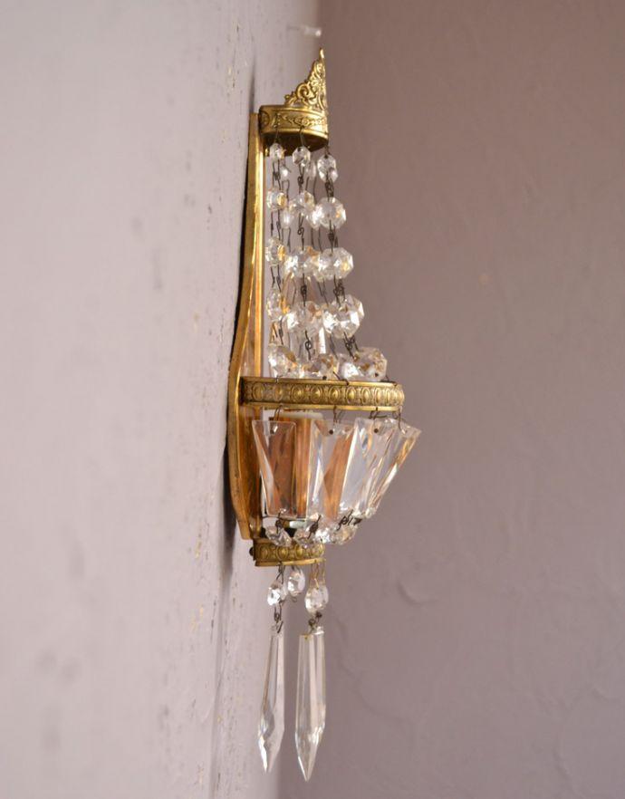 壁付けブラケット 照明・ライティング フランスのアンティーク照明、ガラスが輝く壁付けシャンデリア(E17シャンデリア球付)。横から見ると・・・壁を彩るシャンデリアは横から見てもステキです。(d-1433-z)