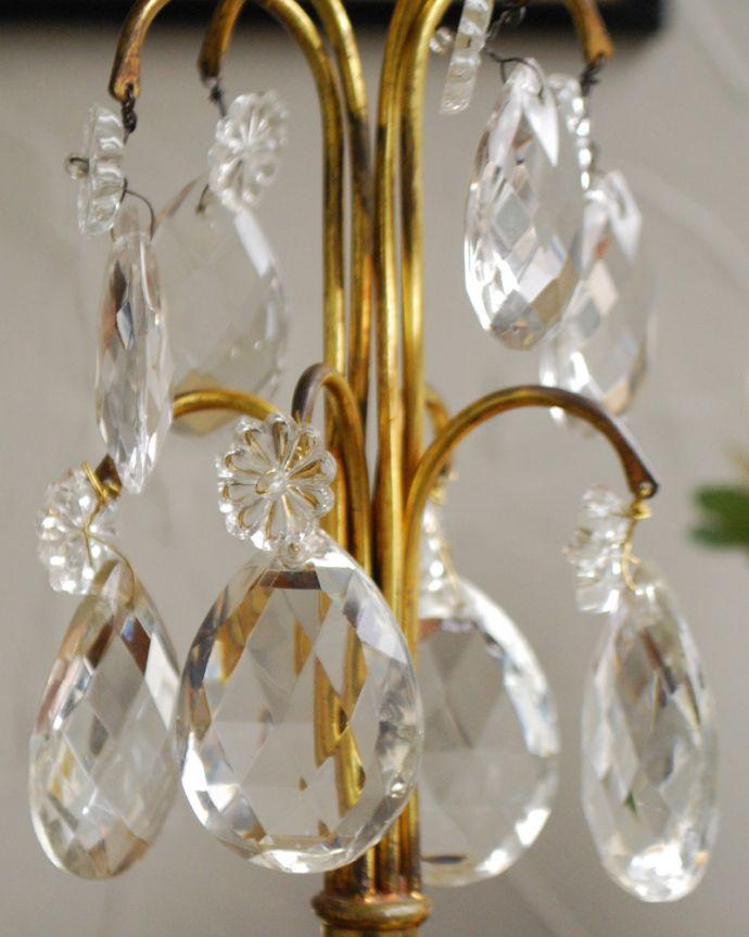 d-1434-z アンティークテーブルシャンデリアの装飾2