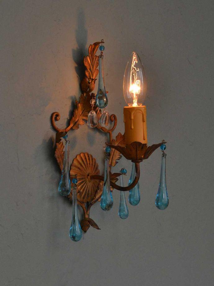 アンティークガラスの壁付け照明