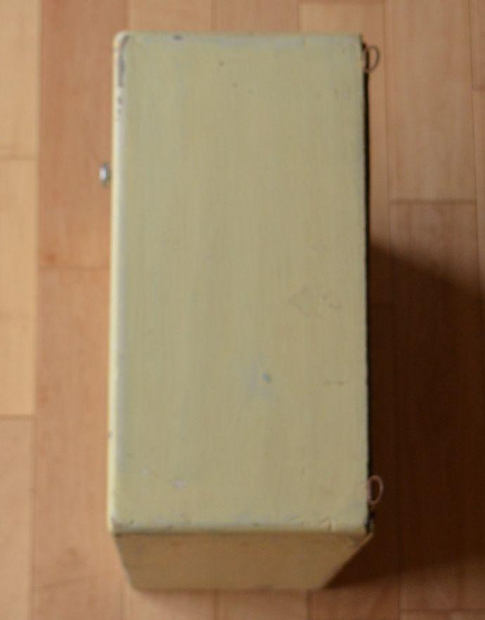 d-835-f-1 アンティークスモールキャビネット(ホワイト)の天板