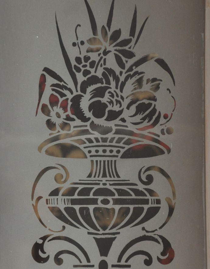 d-982-f アンティークカップボードのガラス戸1