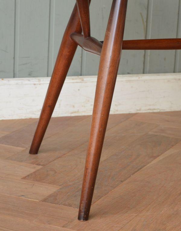 ear-1a-kt アンティークアーコールゴールドスミス アームチェア(カラメル色)の脚