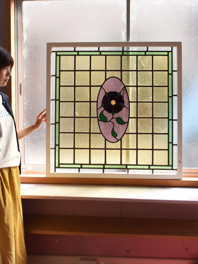 アンティーク ステンドグラス アンティーク雑貨 ステンドグラス アンティークでしか手に入らない美しいガラスやっぱりステンドグラスはアンティーク雑貨の定番。(g-1249)