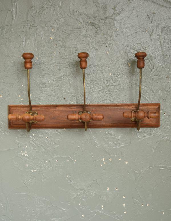 フック・フックボード 住宅用パーツ アンティーク風コート&ハットフック(トリプル)。フックは3つ。(gc-176)