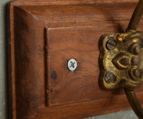 フック・フックボード 住宅用パーツ アンティーク風コート&ハットフック(トリプル)。ネジで壁に固定して下さい。(gc-176)