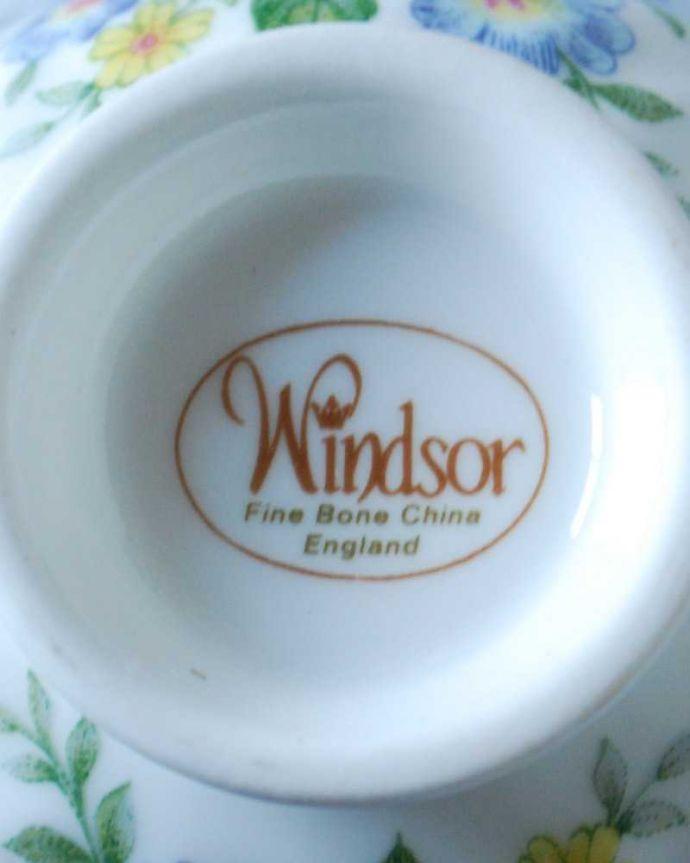 アンティーク 陶磁器の雑貨 アンティーク雑貨 ピンクバラがエレガント、イギリスから届いたアンティークカップ&ソーサー 。裏側には品質の証製造メーカー保証の意味がこもった窯印、ポーセリンマークがあります。(h-831-z)