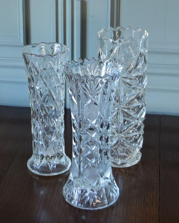 どれが届くかお楽しみに・・・Sサイズのセットには、アレンジメントにも使えるプラスドグラスのピッチャーをセットしてお届けします。(h-906-z)