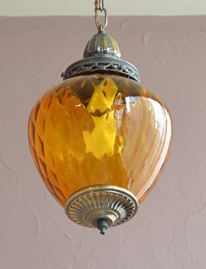 下から見たアンティーク風照明器具